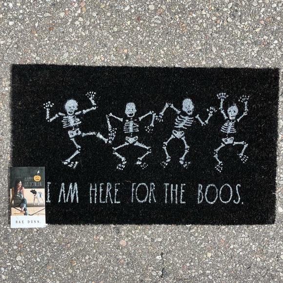 Gorgeous Rae Dunn Halloween outdoor mat 👻
